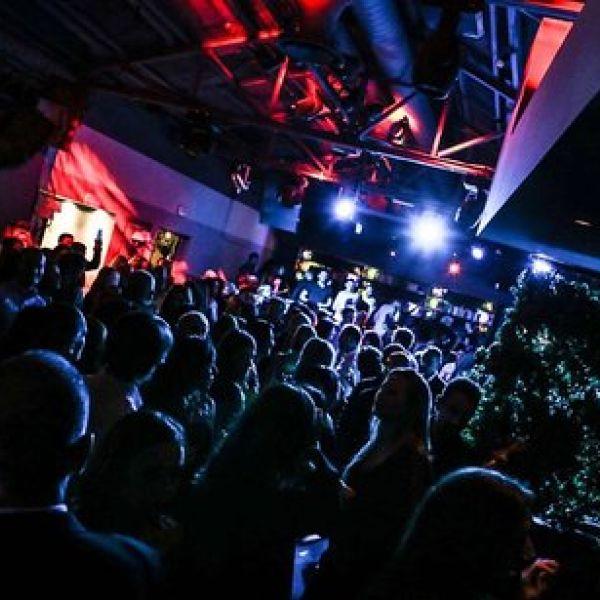 cluster club discoteca